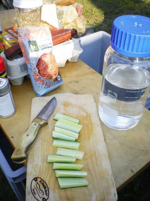 Frühstückszubereitung in Laborflasche