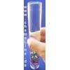 """Die Klarglasflasche mit Wasser etwa 2/3 füllen und den Flaschenteufel vorsichtig einführen. Anschließend mit Wasser """"gestrichen voll"""" aufgefüllen."""